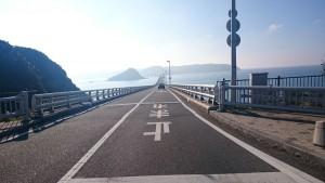 山陰のとある有名な橋。逆光になって残念!